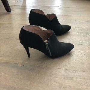 Mossimo size 11 black booties / shooties suede